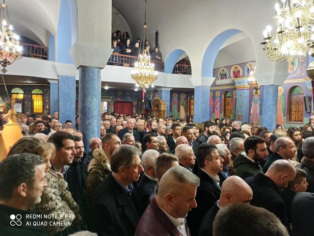 Χριστουγεννιάτικη Θεία Λειτουργία στον Ι.Ν. Αγίου Θωμά Αγρινίου