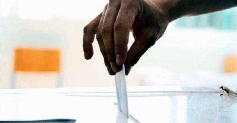 Δημοσκόπηση OPEN: Τι ψηφίζουν οι ανεμβολίαστοι