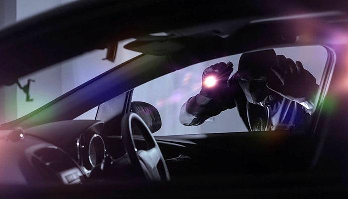 Αγρίνιο: 32χρονος διέρηξε όχημα, άρπαξε τραπεζική κάρτα και έκανε ανάληψη