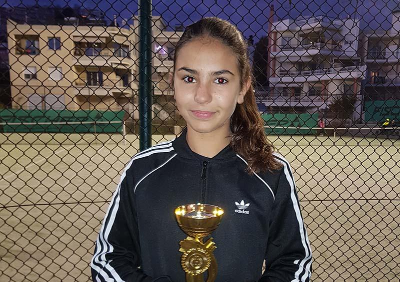 Σημαντική διάκριση για Αγρινιώτισσα σε διεθνές πρωτάθλημα τένις στην Καβάλα (φωτο)