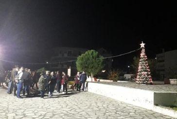 Φωταγωγήθηκε το Χριστουγεννιάτικο δέντρο στον Μύτικα