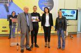 Η βράβευση του 3ου Γυμνασίου Αγρινίου για την 1η θέση σε διαγωνισμό της ΕΡΤ (φωτο)