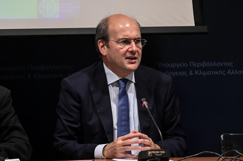Χατζηδάκης: «Fake news τα περί κατάργησης του 8ωρου»