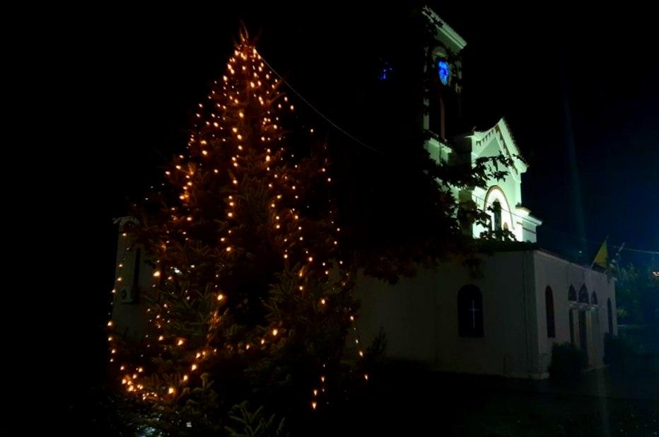 Την Δευτέρα ο στολισμός του χριστουγεννιάτικου δέντρου στα Καλύβια