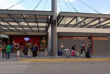 Mόνο στο ΚΤΕΛ Πρέβεζας η συγκοινωνιακή σύνδεση στο αεροδρόμιο Ακτίου-Επιστολή Φαρμάκη σε Καραμανλή