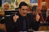 Παπαναστασίου: «Αναζητείται λύση για το ιδιοκτησιακό των εργατικών κατοικιών», «βολές» σε Σταρακά