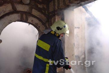 Φωτιά σε σπίτι στην Φραγκίστα, μεγάλη κινητοποίηση της ΠΥ Καρπενησίου (φωτο & video)