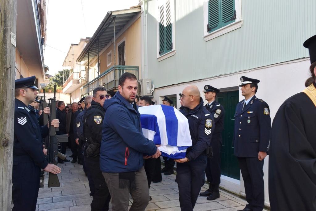 Το τελευταίο αντίο της 25χρονης Αφροδίτης στην Λευκάδα (φωτο & βίντεο)