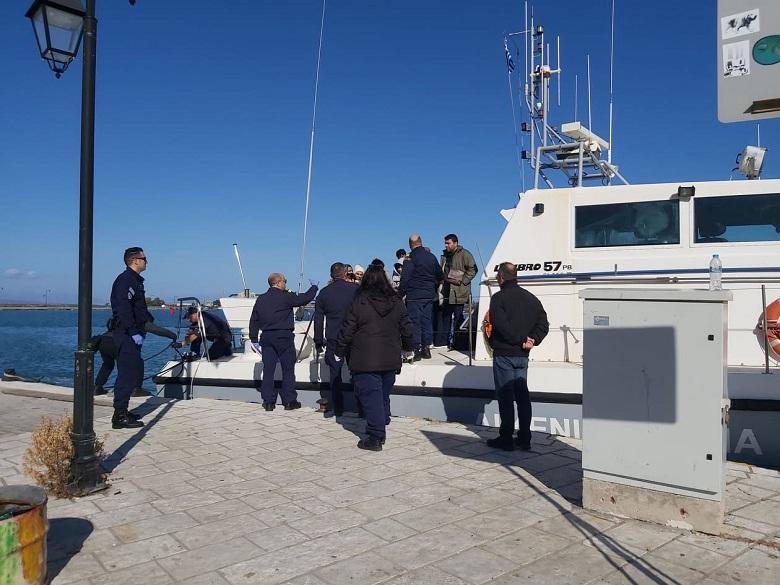 Δεκάδες μετανάστες συνέλαβε το Λιμενικό που επέβαιναν σε κλεμμένο ιστιοπλοϊκό στη Λευκάδα