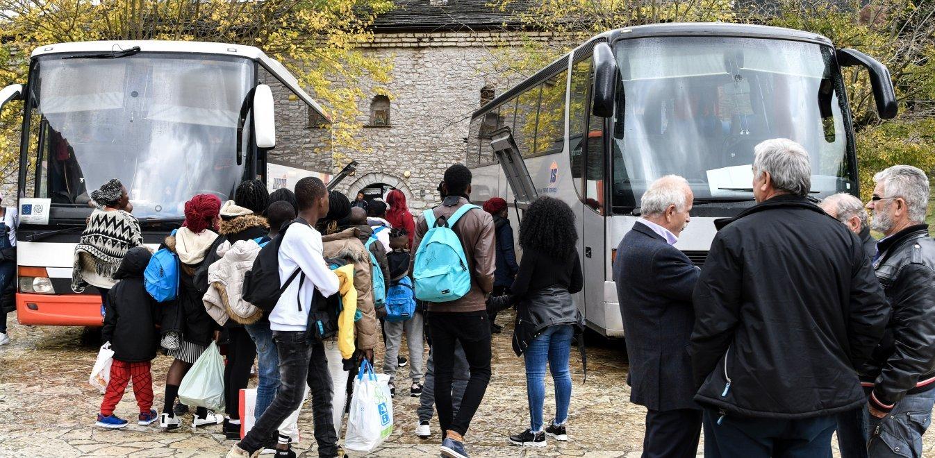 Ξανά στο προσκήνιο το ενδεχόμενο φιλοξενίας μεταναστών σε ξενοδοχεία- πιέσεις από τον ΔΟΜ