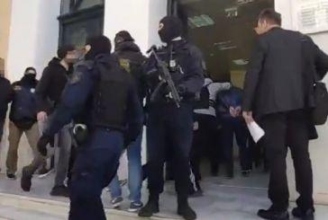 """Στα δικαστήρια οι συλληφθέντες για την κοκαΐνη """"μαμούθ"""" στον Αστακό"""