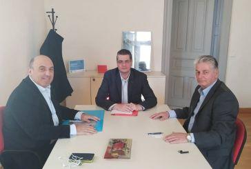 Συνάντηση Β. Γκίζα με τον Πρόεδρο του Πράσινου Ταμείου – Αναπλάσεις και πεζοδρόμια στην ατζέντα