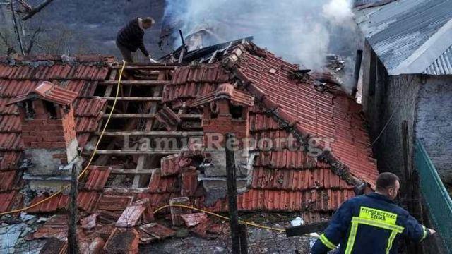 Κάηκαν δυο σπίτια στη Βράχα Ευρυτανίας