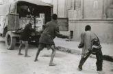 Οι σαλταδόροι του Αγρινίου: Πως μια παρέα εφήβων ρεζίλεψε τους Ιταλούς κατακτητές κλέβοντας τους  50 τουφέκια, σφαίρες & χειροβομβίδες