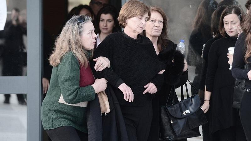 Δολοφονία Τοπαλούδη: Ράγισαν καρδιές στην κατάθεση της μάνας – «Θέλω να δω στα μάτια τα τέρατα»