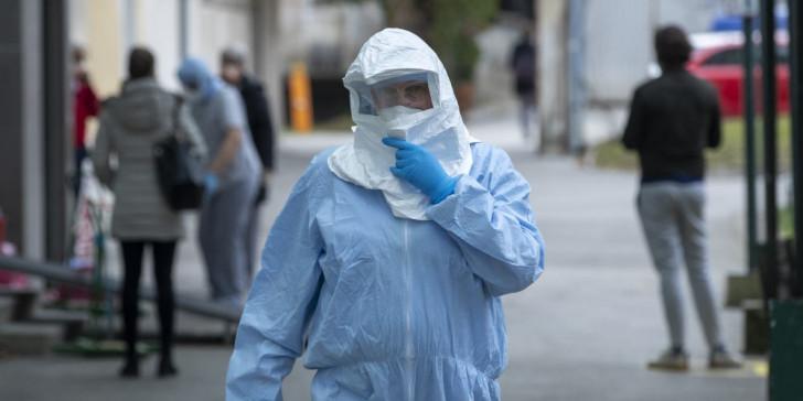 Κορωνοϊός στην Ελλάδα: Τι λένε οι ειδικοί για τον θάνατο του 66χρονου