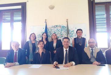 Μνημόνιο με ιταλικό γυναικείο συνεταιρισμό ελαιολάδου υπέγραψε ο Παπαναστασίου