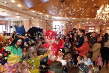 Μεγάλη συμμετοχή στον ετήσιο χορό των γονέων των Παιδικών Σταθμών Δήμου Αγρινίου (φωτο)