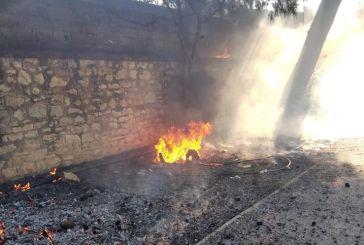 Και φωτιές στο Δημοτικό Στάδιο Αιτωλικού (φωτο)