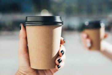 Αγρίνιο: Μερικοί κάνουν το take away καφέ στο όρθιο!