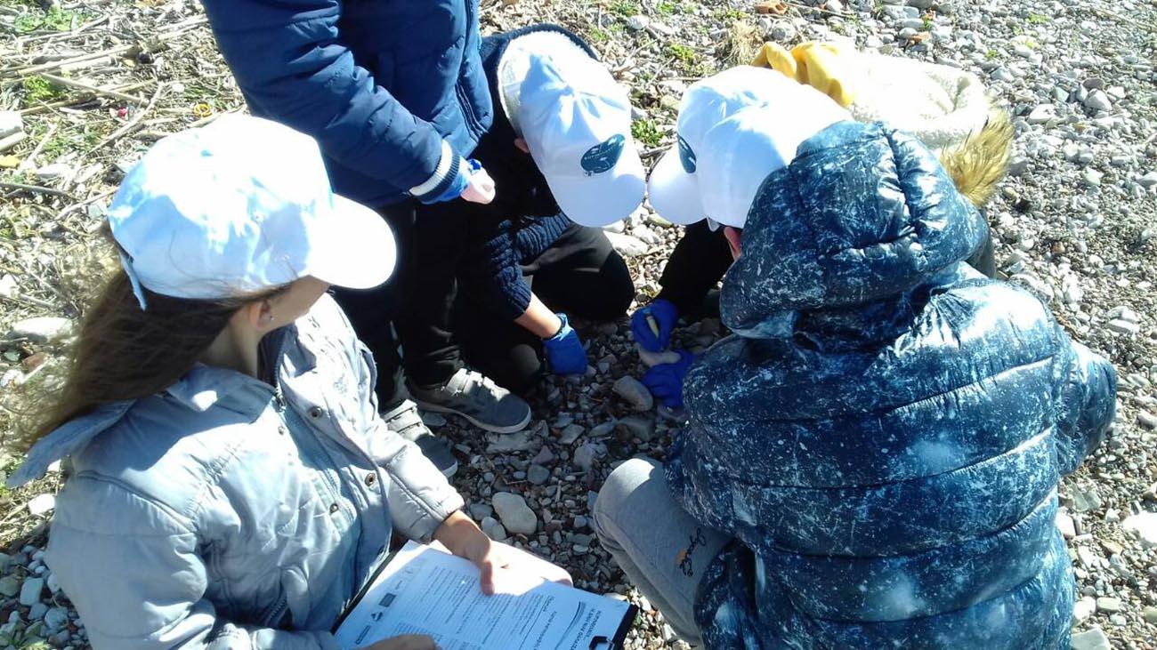 «Κορινθιακός η δική μας θάλασσα»: 4η δράση καταγραφής απορριμμάτων στη Ναύπακτο