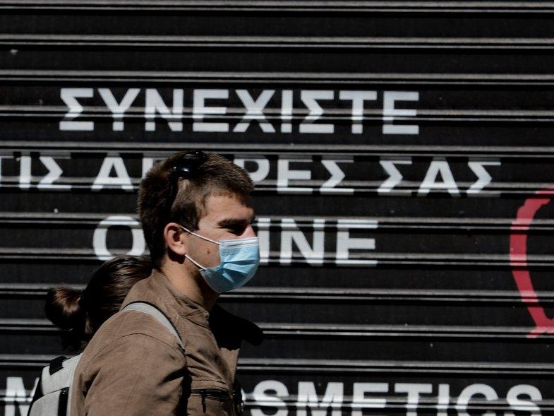 Καθηγητής Μαγιορκίνης: Βιώνουμε ήδη το δεύτερο κύμα της πανδημίας -Ανοικτό το ενδεχόμενο για χρήση μάσκας παντού