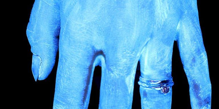 Κορωνοϊός: Φωτό με υπέρυθρες δείχνουν πώς είναι τα χέρια άπλυτα, και μετά από πλύσιμο 6, 20, 30 δευτερολέπτων