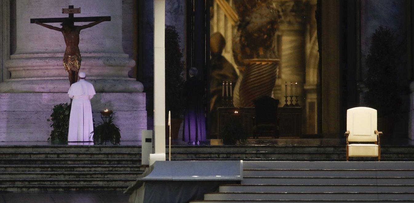 Δέος από το μοναχικό κήρυγμα του Πάπα – Μόνος απέναντι στον Θεό