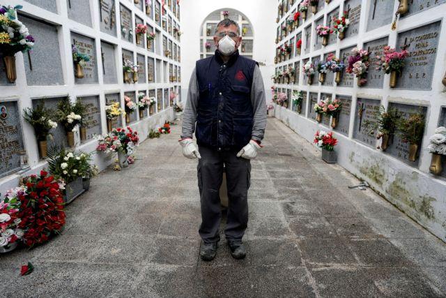 Κορονοϊός: Σοκ στην Ισπανία – 738 νεκροί σε μία ημέρα