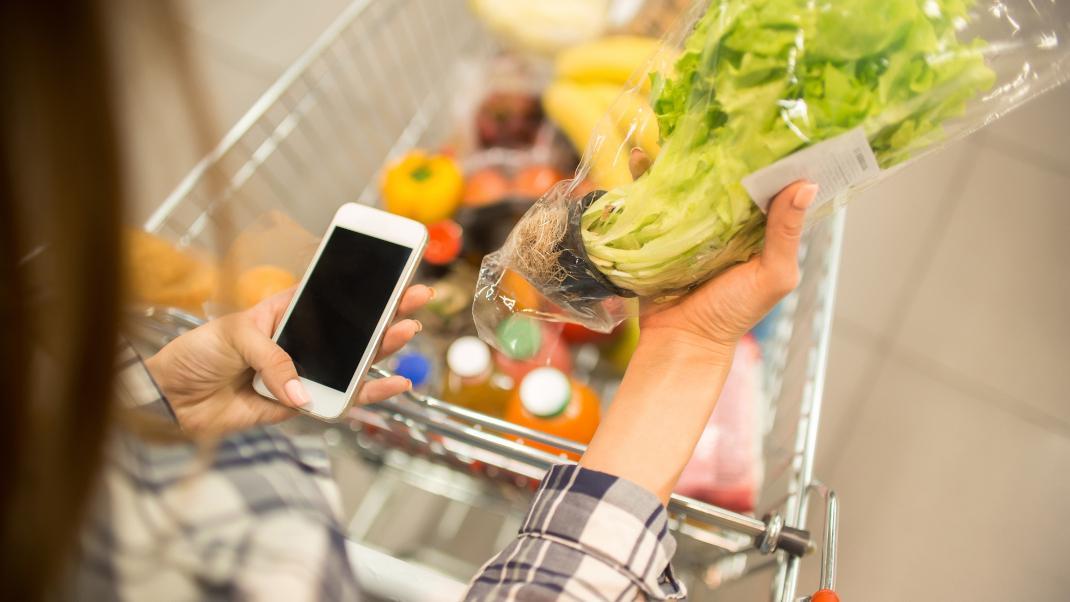 Αμερικανός γιατρός δείχνει πώς πρέπει να απολυμάνεις τα ψώνια σου από το σούπερ μάρκετ -Το βίντεο έγινε αμέσως viral
