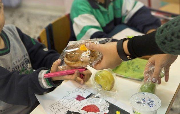 Για περισσότερους μαθητές τα σχολικά γεύματα φέτος