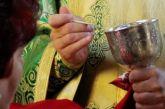 Ιερά Σύνοδος: «Καμία αλλαγή στη Θεία Κοινωνία – Δεν έχει θέση στον Χριστιανισμό η γιόγκα»