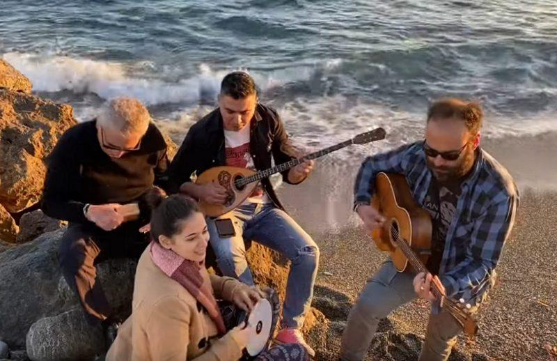 """Κορωνοϊός: Επικό τραγούδι στην Κρήτη – """"Βγάλε τη μάσκα μη φοβάσαι φίλα με πανάθεμά σε"""""""