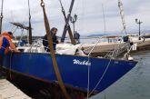 Επιχείρηση ανέλκυσης βυθισμένου σκάφους στη Βόνιτσα