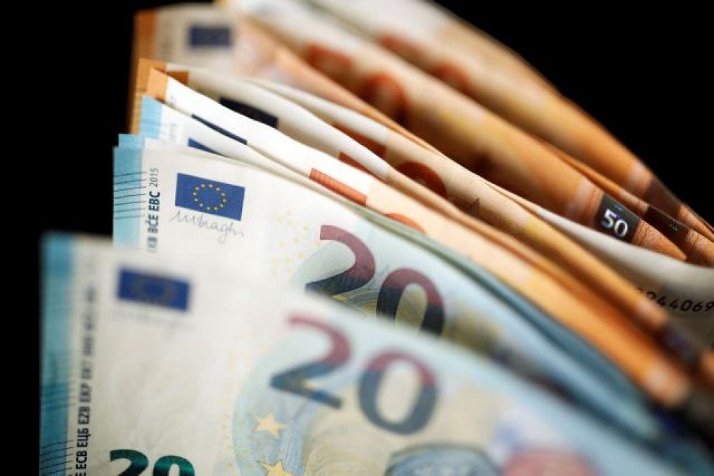 Τον Ιανουάριο του 2021 ο νέος κατώτατος μισθός – Πώς αλλάζει το ποσό των 650 ευρώ
