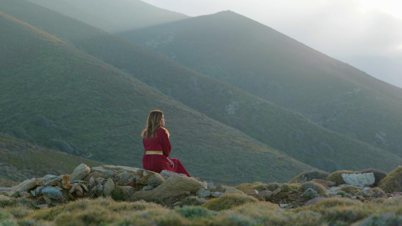 Στο Θέρμο και στην Τριχωνίδα η εκπομπή «Η ζωή αλλιώς» με την Ίνα Ταράντου