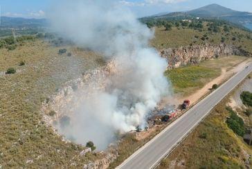 Κινητοποίηση της πυροσβεστικής για φωτιά στο 3ο χλμ Αμφιλοχίας – Άρτας (βίντεο)