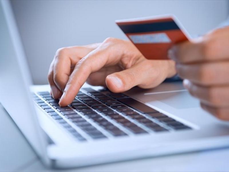 Κορωνοϊός: Εκτοξεύτηκαν οι ηλεκτρονικές αγορές στην καραντίνα -3 στους 4 αγοράζουν από ελληνικά ηλεκτρονικά καταστήματα