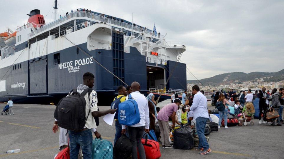 Μέσα στον Απρίλιο η μεταφορά 2.000 προσφύγων και μεταναστών στην ενδοχώρα