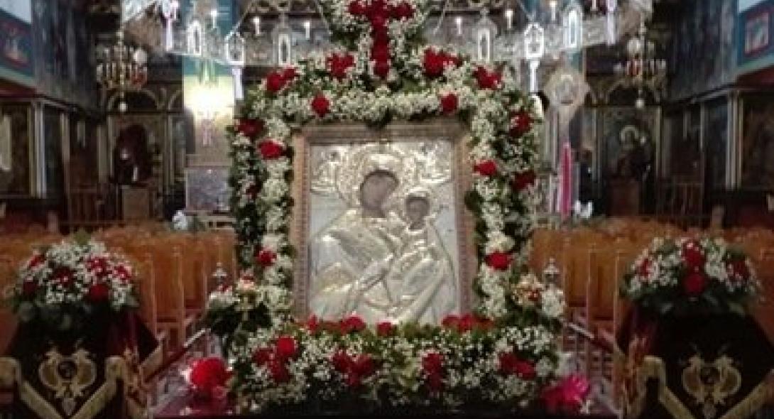 Κορωνοϊός: Πρόστιμα σε πολίτες που συμμετείχαν στην περιφορά εικόνας στην Παναγία Τρυπητή στο Αίγιο