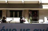 Η Πρωτοψάλτη πάνω σε φορτηγό… τραγούδησε στους δρόμους της Αθήνας! (φωτο-βίντεο)