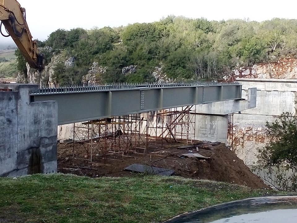 Προχωρούν τα έργα στη νέα γέφυρα Τέμπλας (φωτο) - AgrinioNews