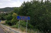 Η πινακίδα στα όρια των δήμων Αγρινίου και Μεσολογγίου και τα Φραγκουλέικα