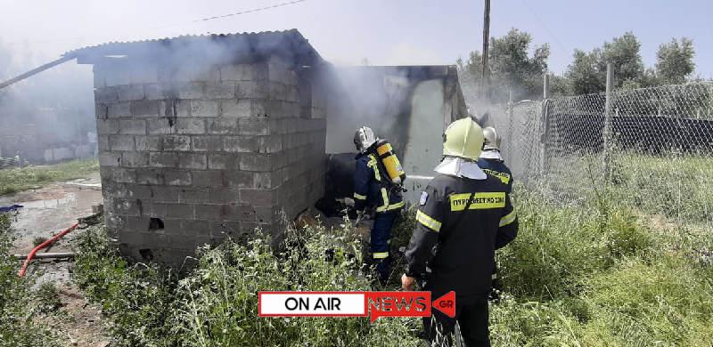 Μεσολόγγι: Πυρκαγιά σε αποθήκη στον Άγιο Θωμά (φωτο)