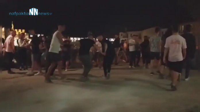 Ναύπακτος:  Θύμιζε κανονικό Σαββατόβραδο το λιμάνι -Έστησαν μέχρι χορό