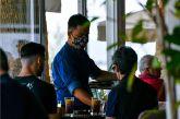 Πληροφορίες πως μέσα Απριλίου ανοίγουν εστιατόρια, καφετέριες – Μάρτιο το λιανεμπόριο