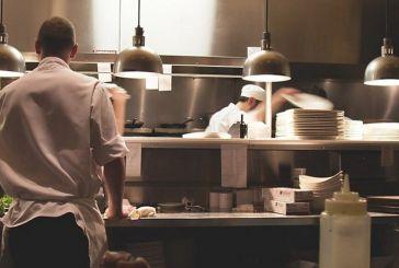 ΕΦΕΤ: Αυτοί είναι οι κανόνες για να τρώμε με ασφάλεια στα εστιατόρια