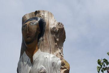 Ξύλινα γλυπτά αφιερωμένα στην Άλωση της Πόλης στον Άγιο Γεώργιο Καλυβίων (φωτο)