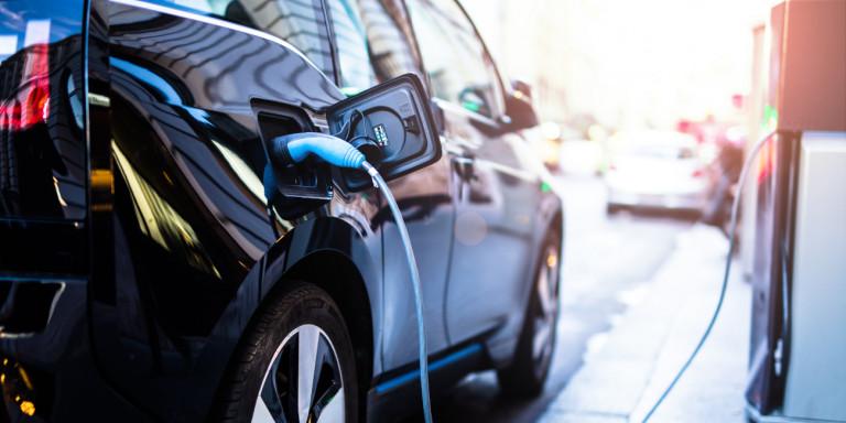 Ερώτηση από συνδυασμό Κατσιφάρα: Ποια τα σχέδια της Περιφέρειας για την επένδυση του εργοστασίου ηλεκτρικών οχημάτων;
