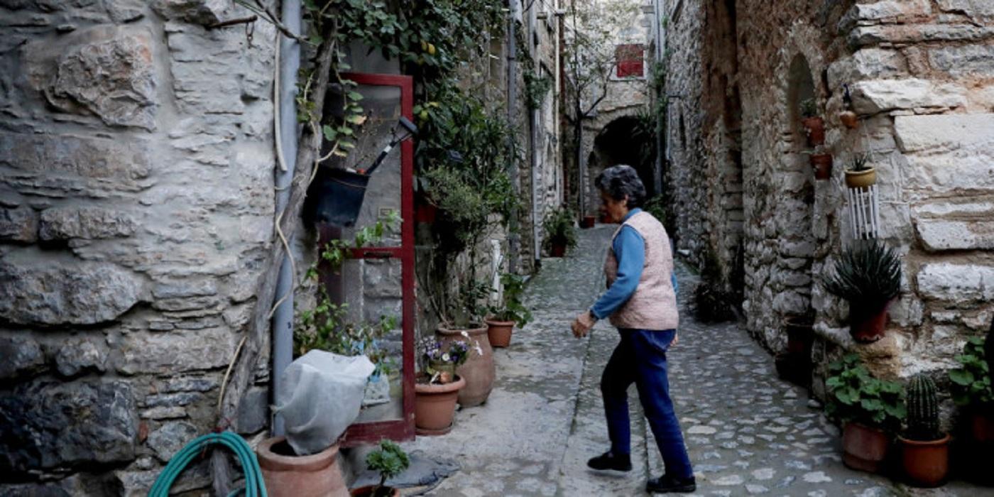Αρση μέτρων: Γιατί οι ηλικιωμένοι θα μπορούν να πάνε στα χωριά τους μετά τις 18 Μαΐου -Οι εξηγήσεις Τσιόδρα, Χαρδαλιά